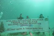Kapolres Kepulauan Selayar Natal Dibawah Laut