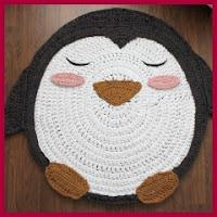 Alfombra pingüino de trapillo