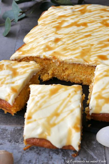 Ananas-Möhrenschnitten mit Frischkäsefrosting | Rezept | Backen | Kuchen | Blechkuchen | Ostern