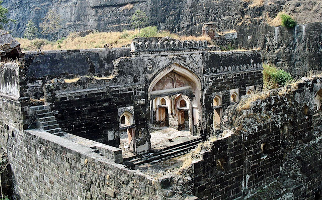 ruins of daulatabad fort