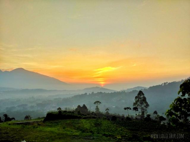 Sunrsise Bukit Amping Pujon Kidul Malang