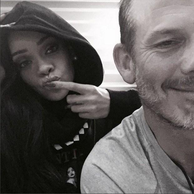 Rihanna está filmando un documental sobre su vida.