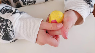 Hatchimals CollEGGtibles Season three ( 3 ) from Spin Master review on Us Two Plus You - rubbing the egg for hatching