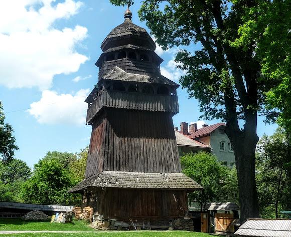 Дрогобич. Церква святого Юра. Світова спадщина ЮНЕСКО. Дзвіниця