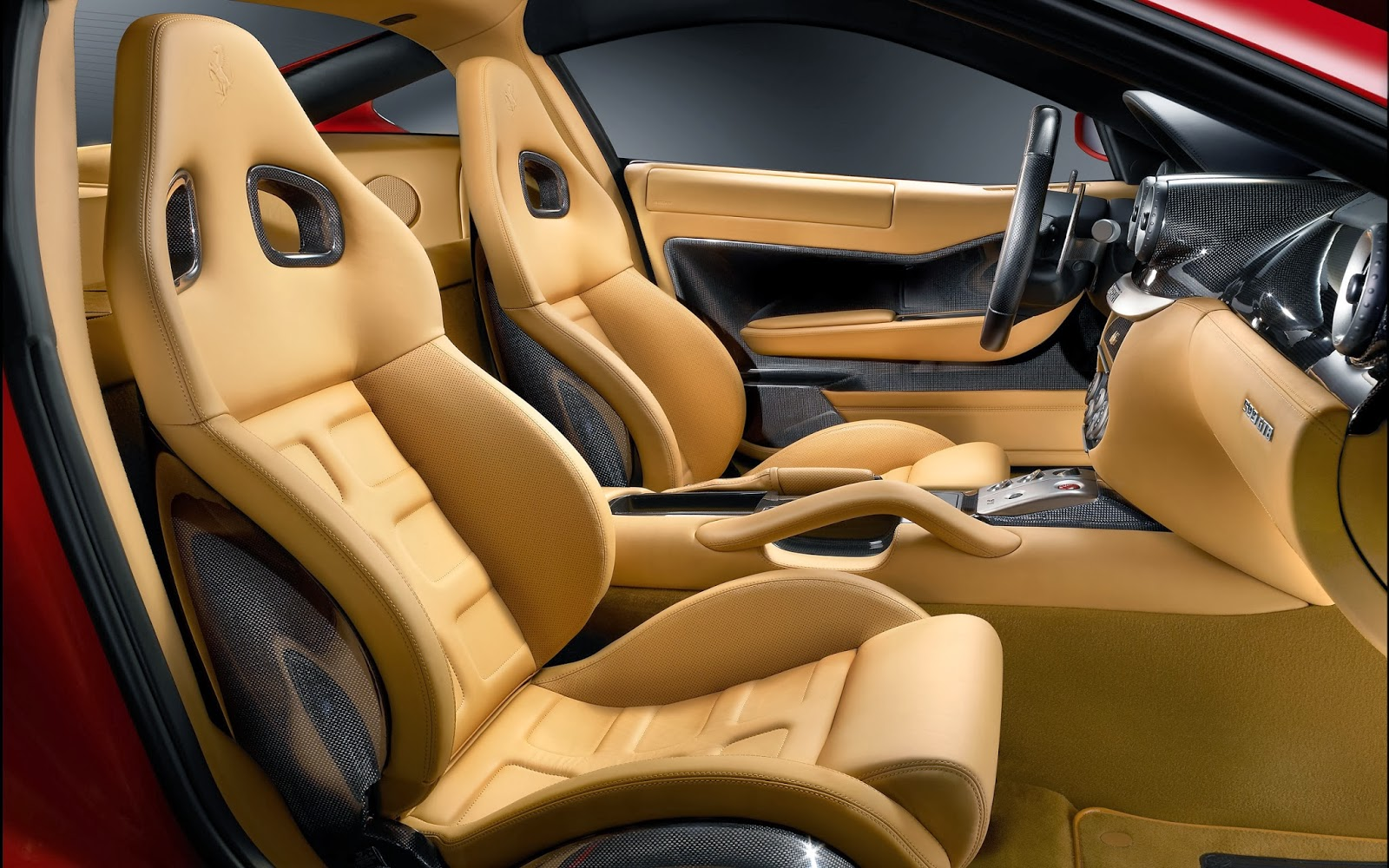 Pancarkan Kemewahan Interior Mobil Anda Dengan Jok Kulit
