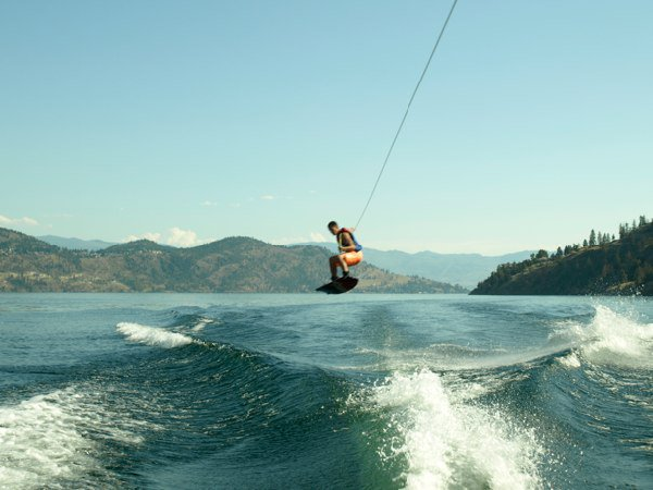 Wake Surfing 101: Difference Between Wake Surfing and Wake Boarding