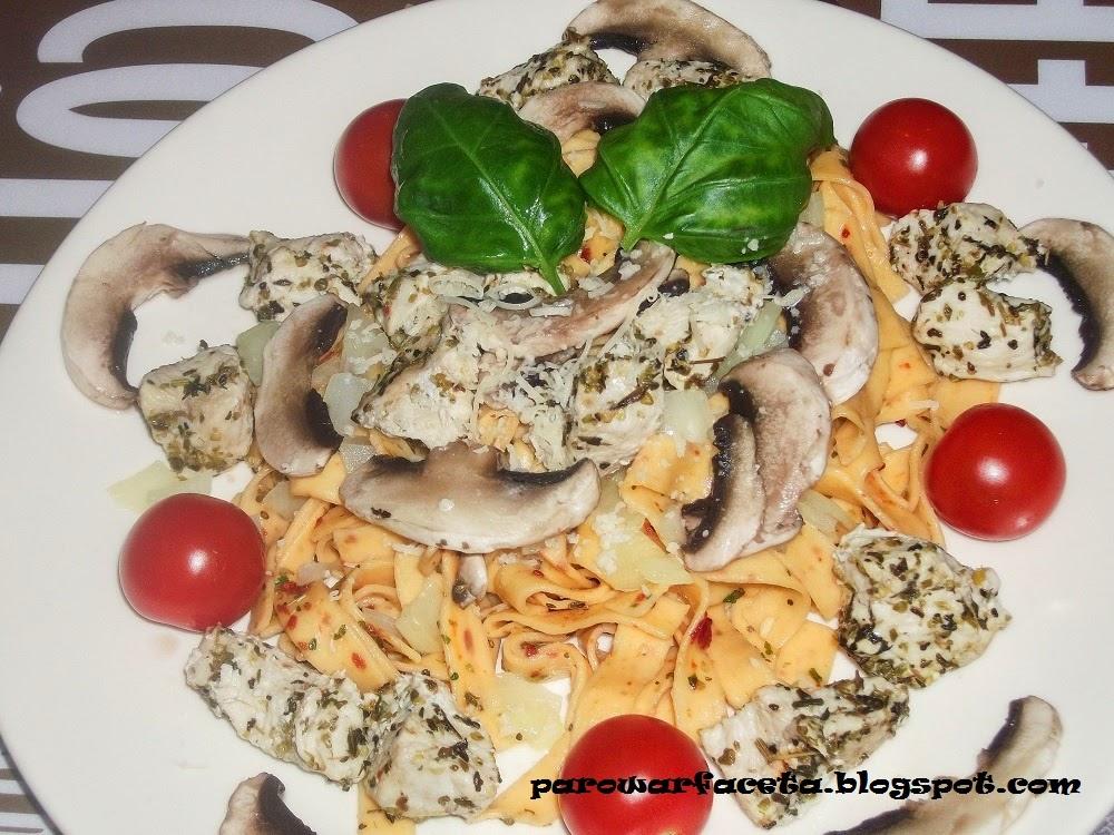 Tagliatelle z warzywami na parze