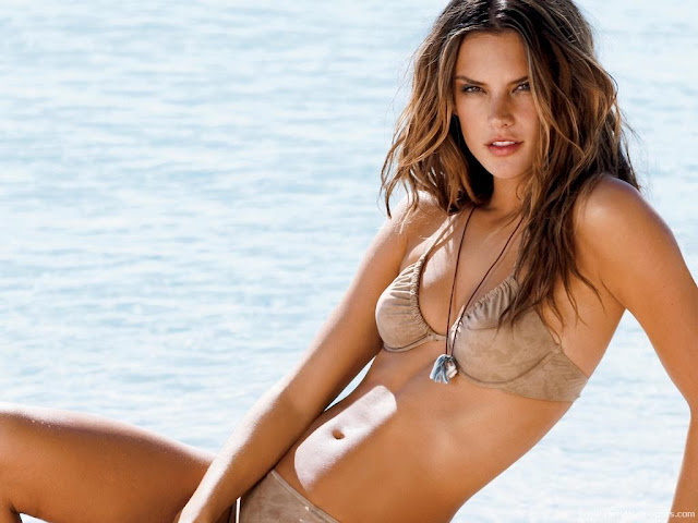 Alessandra Ambrosio sweet wallpaper-1600x1200