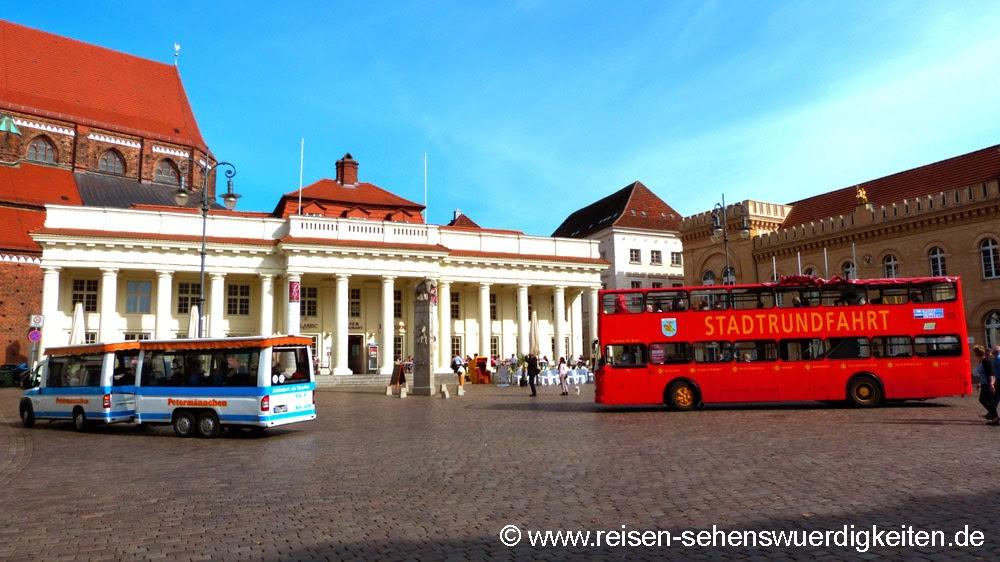 Stadtrundfahrt Schwerin mit Petermännchen oder Doppeldecker Bus