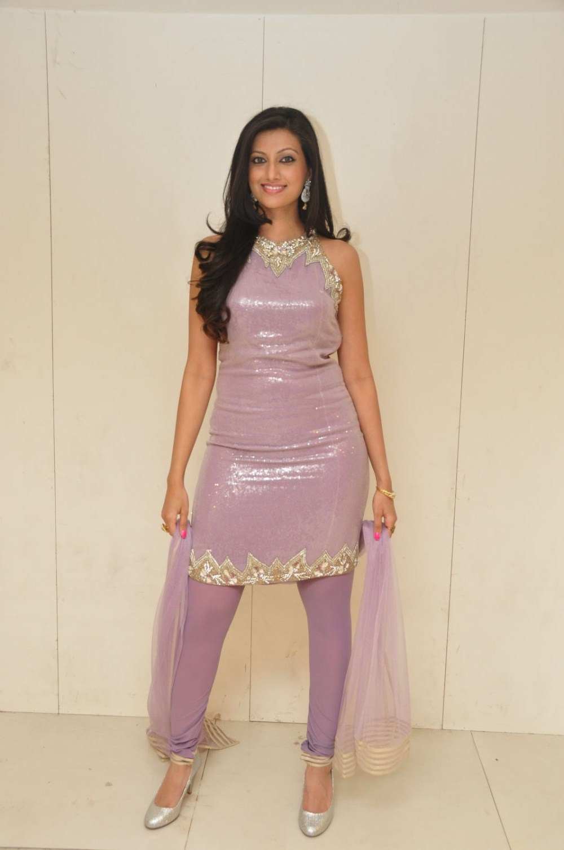 lovely Hamsa nandhini in ethnic salwar suit
