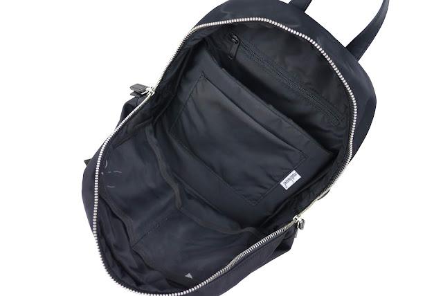 △Internal front side transparent cloth sandwich X2 (can put headphones    eye drops   lip balm or smaller items) 846ceb09b7ee6