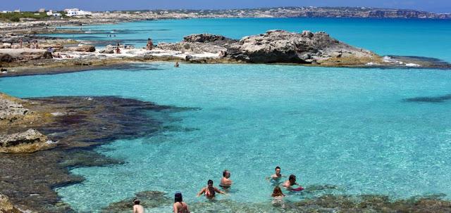 Es Caló de Sant Agustí, Formentera