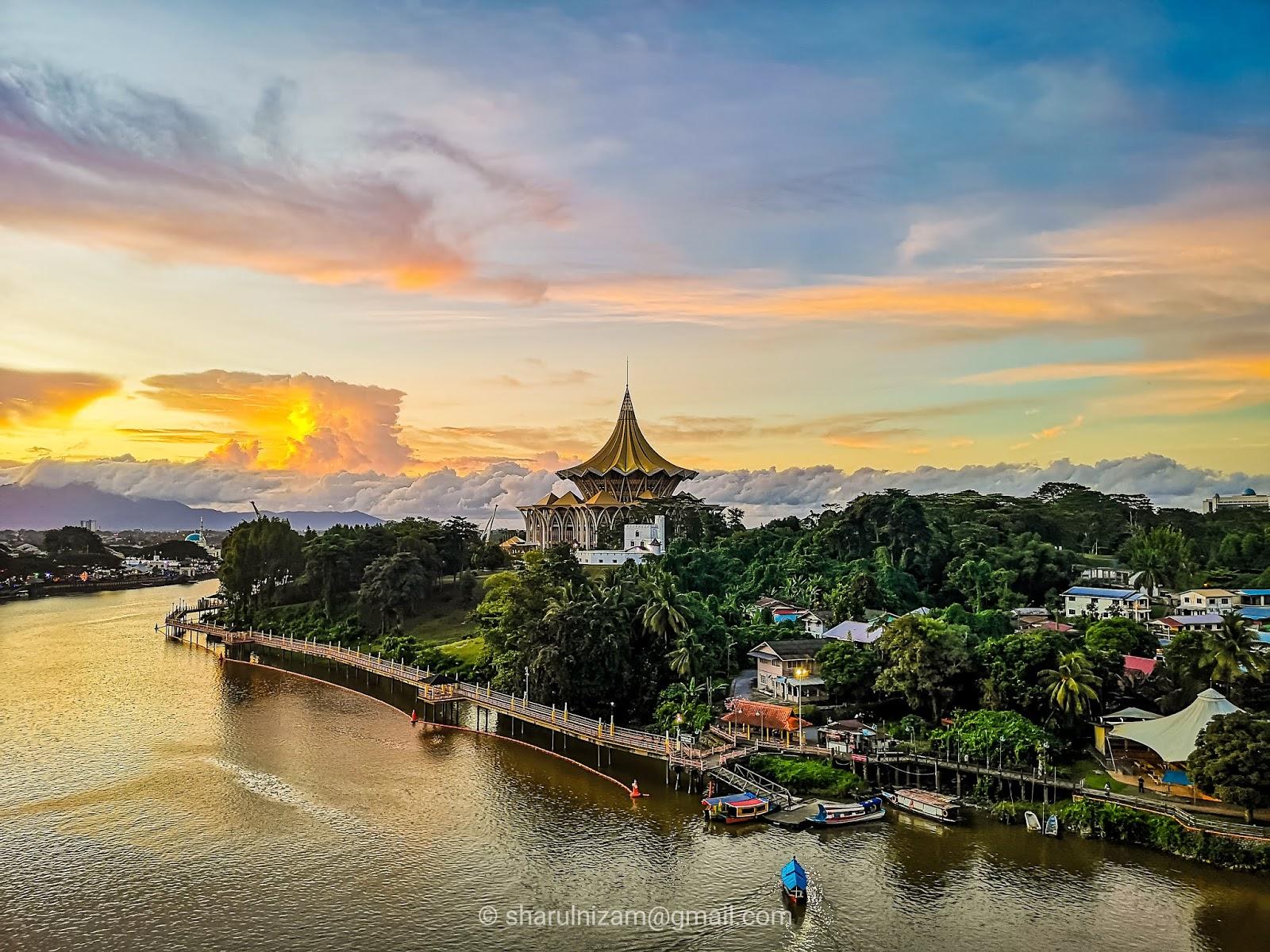 Senja di Sungai Sarawak