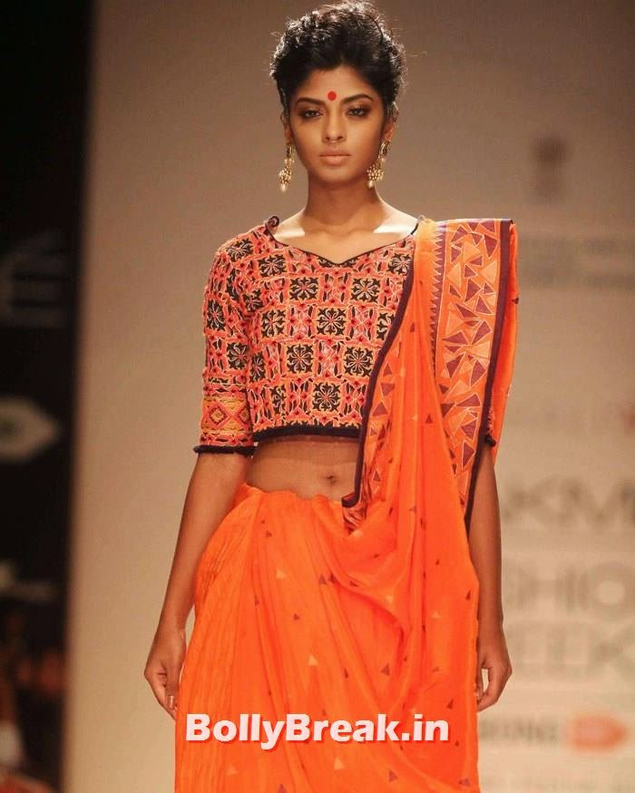 Vaishali S Show at LFW Winter/Festive, Indian Female Models in Saree - Lakme Fahsion Week Ramp Walk