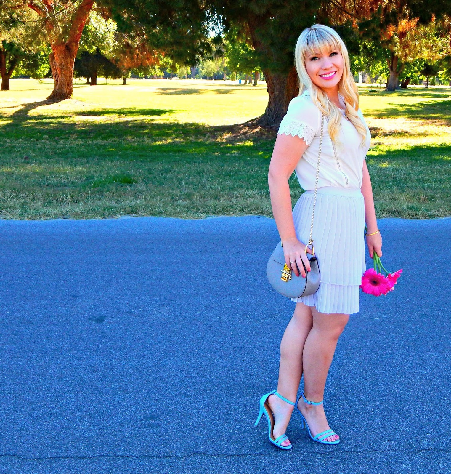 Pastels All Day & Friday Favorites Link Up