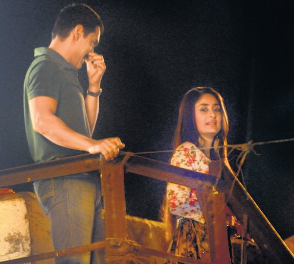 Bollywood Sense: SNAPSHOT OF AAMIR-KAREENA NEXT MOVIE