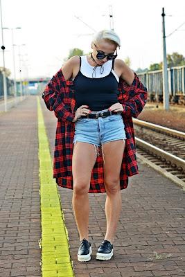 choker_high_waist_shorts_plaid_shirt_karyn_167b
