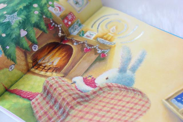 livre-plume-tricot-cheminee