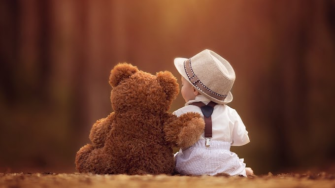 Baby And Bear Friends Wallpaper