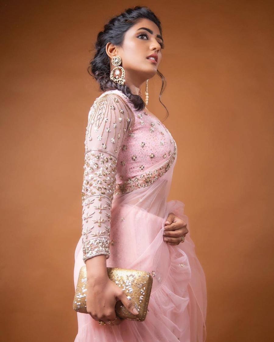 India Model Eesha Rebba at Santosham Awards 2019