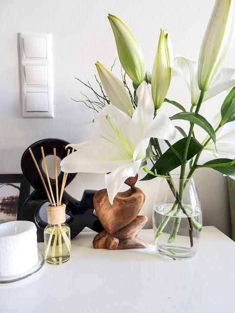 Viikkokatsaus, Valkoisia liljoja, valkoisia kukkia, Jääkiekon MM kisat, Euroviisut, 2017