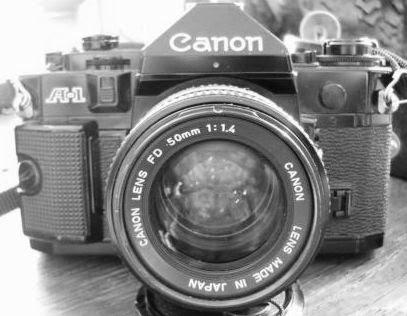 Canon A-1 tampak depan