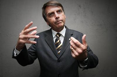 Bolsonaro é condenado por ofensas contra população LGBT