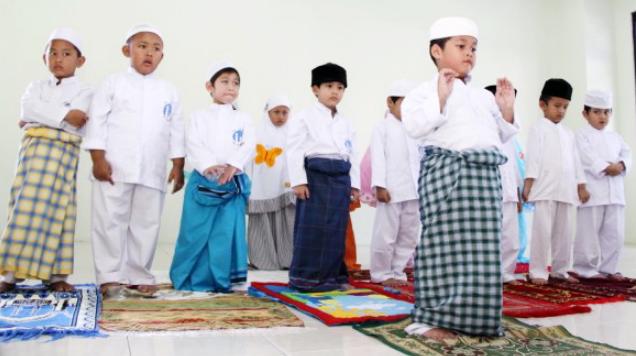 Tips Cara Mendidik Anak Pada Usia Dini Dengan Menggunakan Metode Islami Agar Menjadi Anak Yang Shaleh
