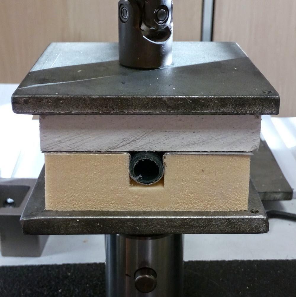 Test de compression plancher chauffant sec Caleosol Tradi