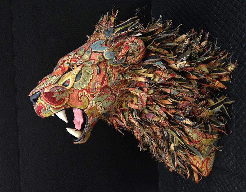 Cabezas de taxidermia y animales imitadas con tapizados por Kelly Renee Jelinek