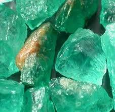 Đá Emerald thô tinh thể