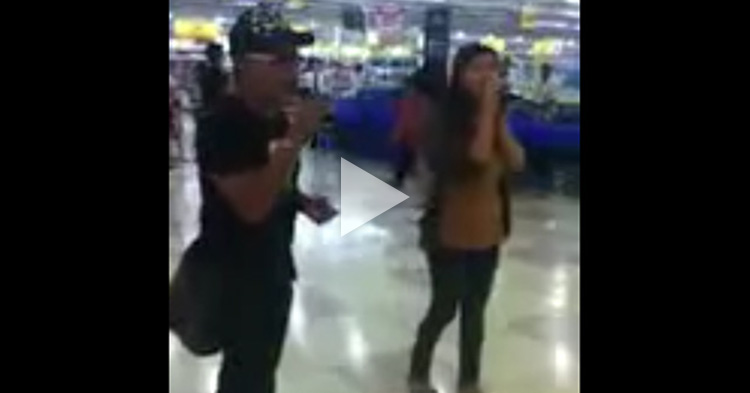 Random singers singing like Ogie Alcasid and Regine Velasquez in a mall