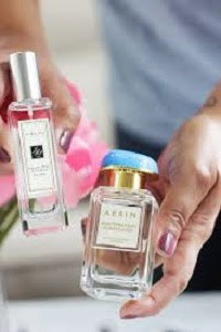Happy-Mothers-Day-Image-Gift-Perfumes
