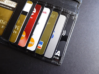 Debit card, credit card, difference, difference card, what is Debit Card and Credit Card, ATM card, debit or credit, debit aur credit card, क्रेडिट और डेबिट कार्ड का अंतर, क्रेडिट ओर डेबिट कार्ड, क्रेडिट कार्ड,डेबिट कार्ड, क्रेडिट कार्ड कैसे बनाएं, एटीएम कार्ड और डेबिट कार्ड का अंतर, एटीएम कार्ड, ए टी एम कार्ड