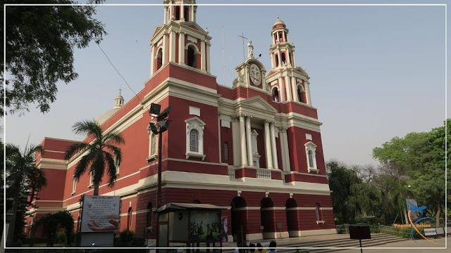 Catedral do Sagrado Coração em Delhi, na Índia