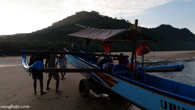 Pantai Pulau Merah, Banyuwangi