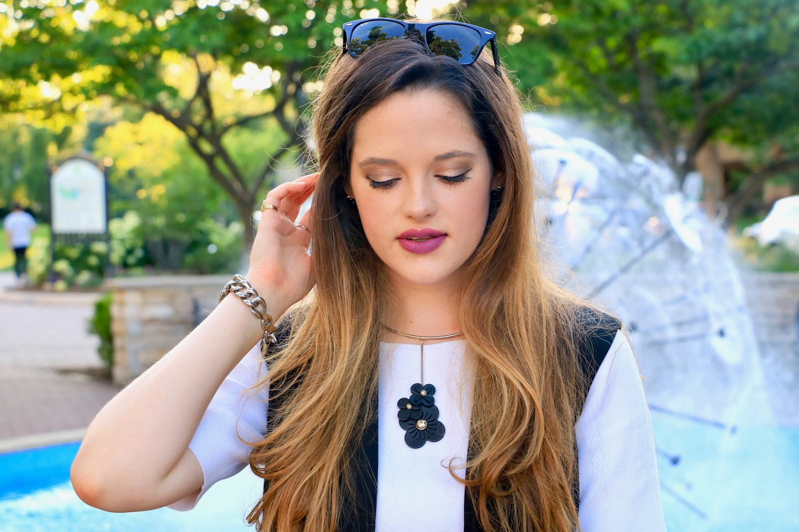 nyc beauty blogger showing summer makeup ideas