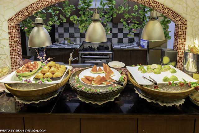 MG 3217 - 大象牛排吃到飽,超豐富沙拉吧任你吃,排餐表現普通,但是假日依然滿滿滿~