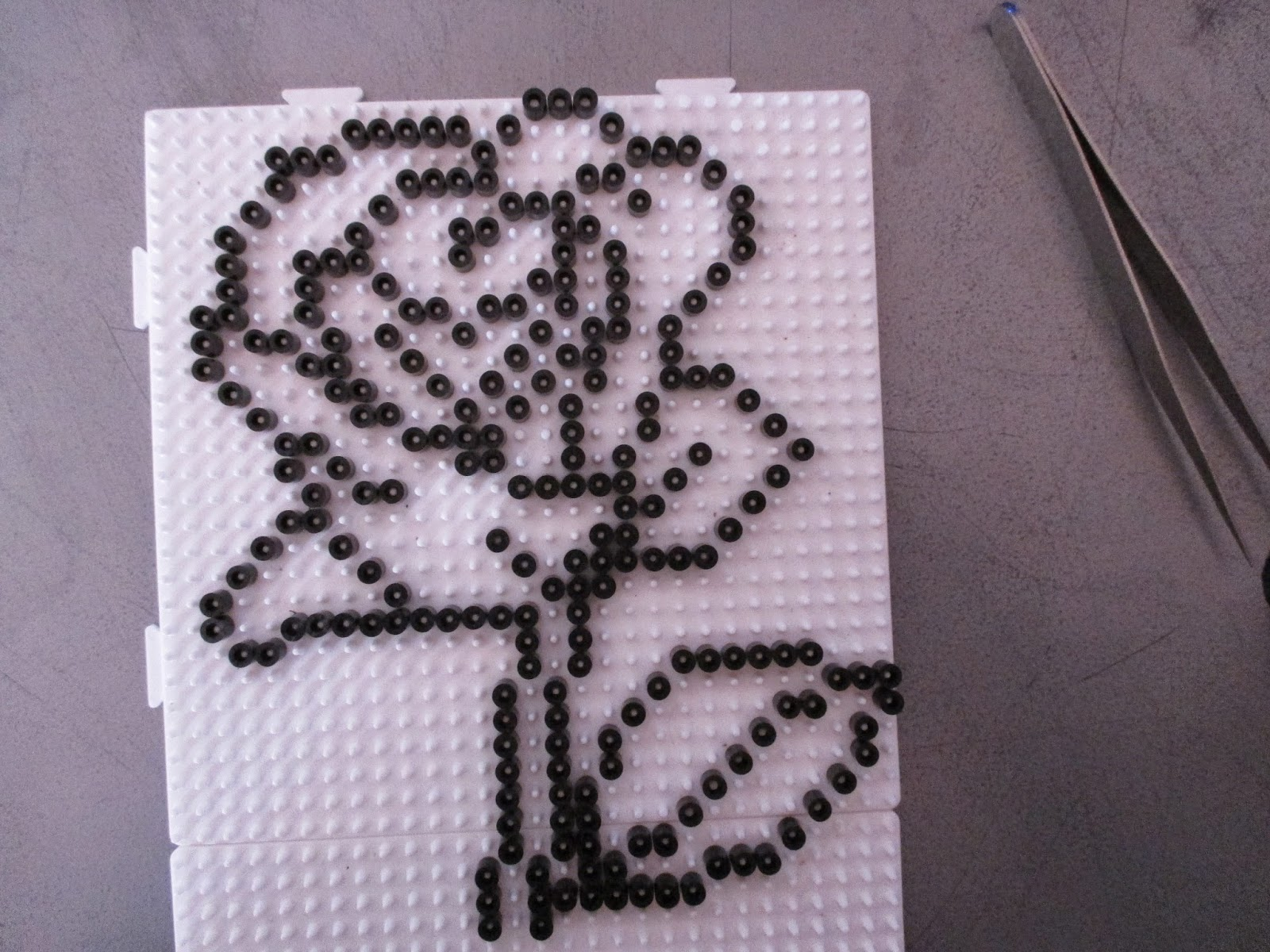 Pixel Art En Perle Hama Rose En Perler Beads
