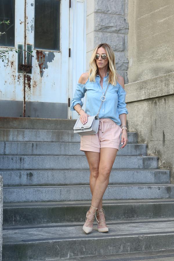 blue cold shoulder top pink shorts heels parlor girl
