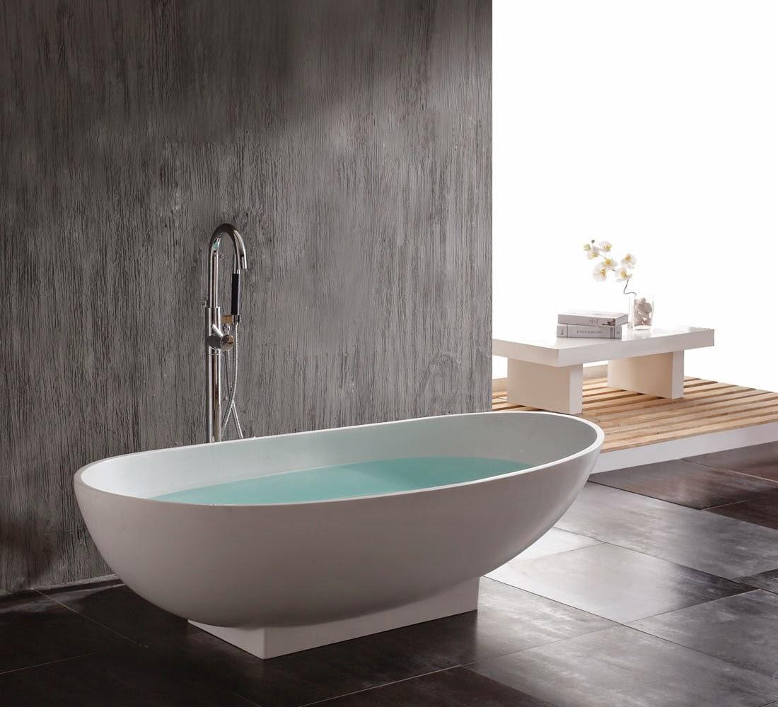 Bathtub dalam kamar mandi minimalis