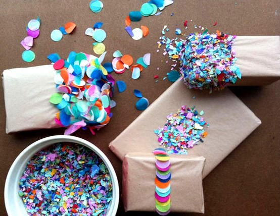 Unique Gift Ideas: A Matter Of Style: DIY Fashion: 10 Creative Gift Wrapping