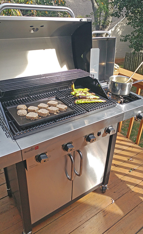 Char-Broil Commercial grill uses their TRU infrared cooking system to keep food juicy and moist.