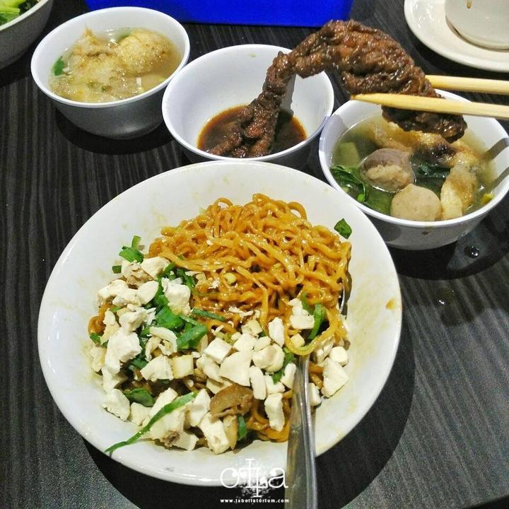 RM Legoh Bandung, Penangkal Lapar Kekinian Mie Yamin