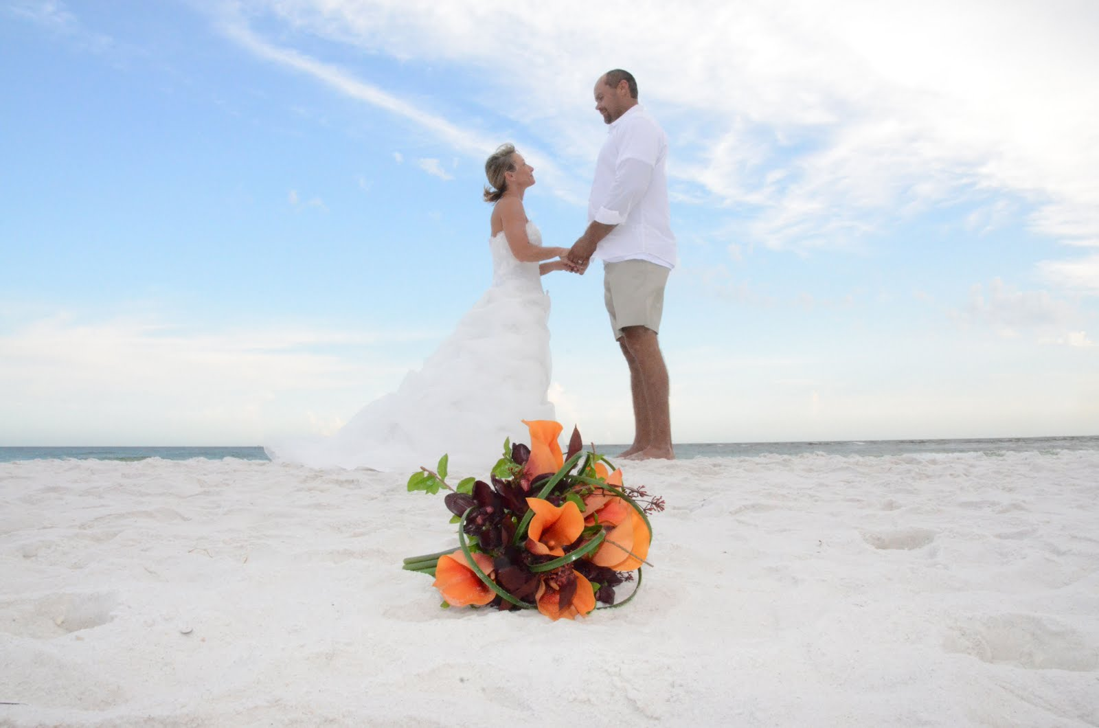 Sunset Beach Weddings: Beach Wedding Bouquet Ideas For