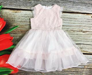 Đầm bé gái Hàn Quốc made in vietnam, bên trong lót cotton 100%. Có 2 màu.