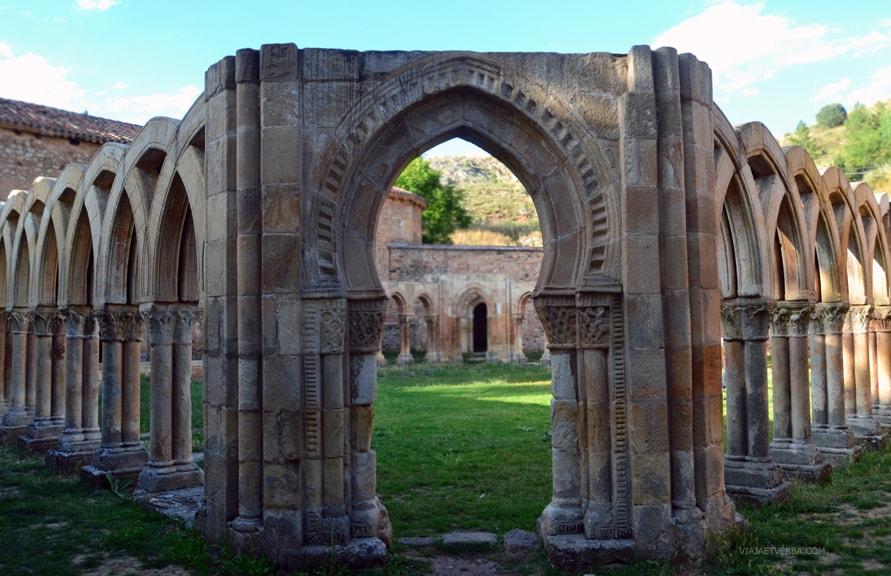 Monasterio de San Juan de Duero en Soria, España. Por Viaja et Verba