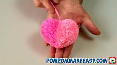 Валентинка сердце из помпона