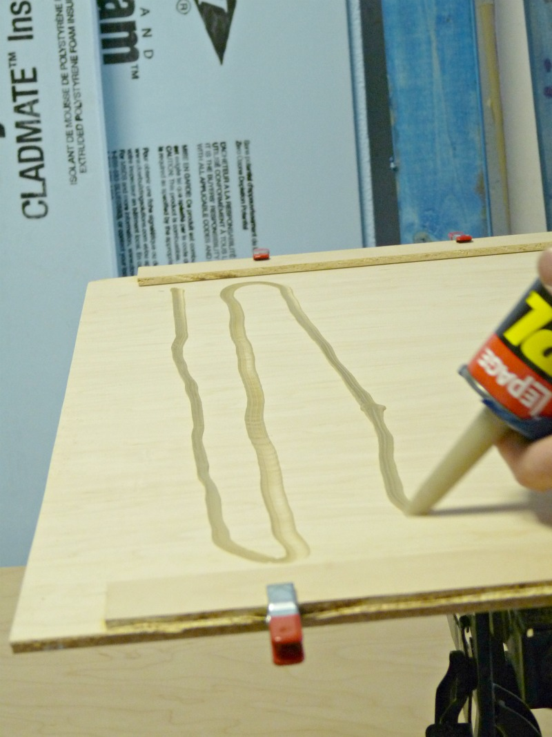 How to glue a mirror to wood