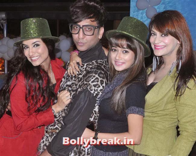 Tia Bajpai, Rehan Shah, Tina Dutta With Candy Brar, Mumbai Page 3 Celebs at Rehan Shah Birthday Party